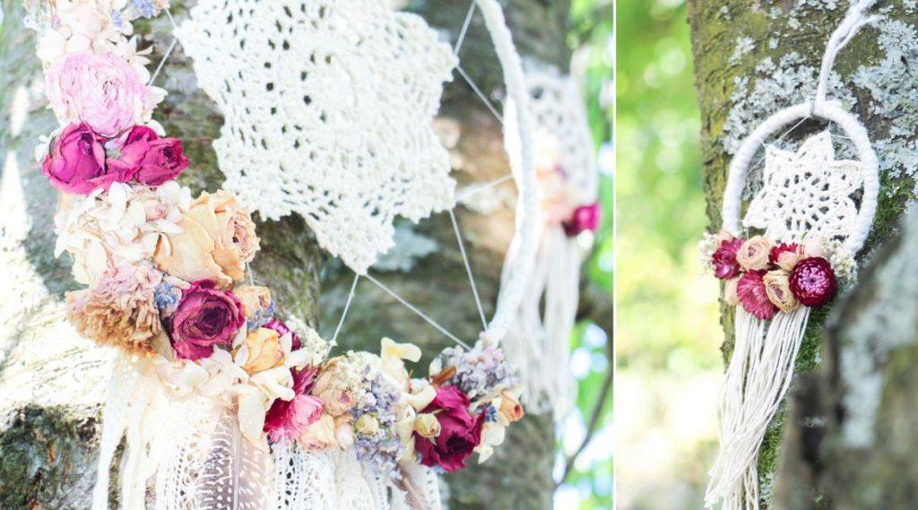 Traumfänger mit getrockneten Blumen im Boho Stil für Hochzeiten.