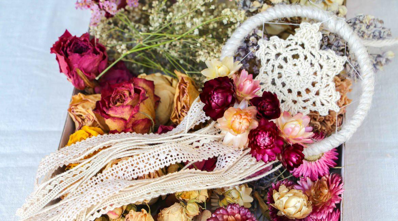 Traumfänger für eine Boho-Hochzeit.